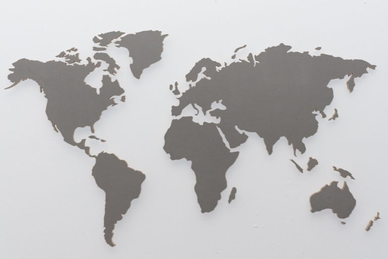 wall pictures world map concrete